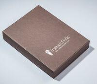 Χάρτινο κουτί σε καφέ χρώμα